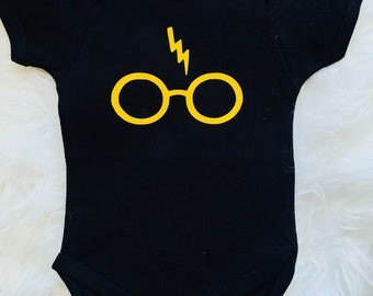 Harry potter, baby potter, harry potter onesie, harry potter fashion, Baby girl, fashion, baby girl ,baby fashion, baby clothing,