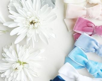 Flash sale // june Velvet   clip or nylon   bows