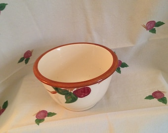 Franciscan Apple Mixing Bowl USA 50's  - Med 1 1/2 Qt size Vintage Batter Bowl Nesting Bowl
