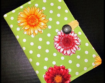 Kindle 3 Latest Generation or Nook (Older Generation) Padded Cover/Case - Robert Kaufman Flower Shop Blooms Lime/Multi