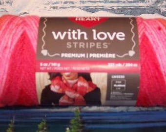 4001976 Red Heart With Love  Stripes 5 oz Passion