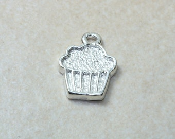 Cup Cake charm, solid sterling silver charm. Perfect as necklace or on charm bracelet. Gourmet charms