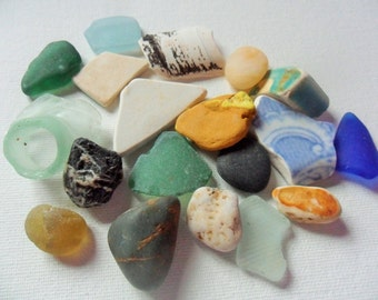 North East England beach treasures - Pretty sea glass, pottery & pebbles beach finds - 20pcs