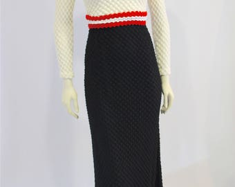 Vintage Clothing •1970s Knit / Crochet Maxi Dress • Long Sleeve • Boho Hippie • Made in Canada