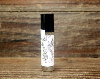 Lilac Scented Roll On Perfume, Body Perfume, Vegan Perfume, Lilac Perfume,Perfume Oil, Alcohol Free Perfume Handcrafted Lilac Perfume,