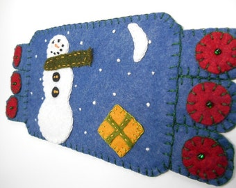 Fiber Art, drink coaster, Winter Coaster, Handmade Penny Rug, Snowman Mug Rug Winter Decor