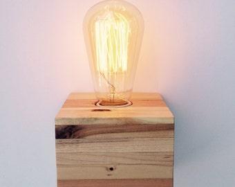Reclaimed Pallet Wood Lamp