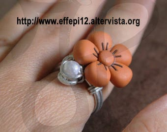 Ring with Daisy thun style and Pearl