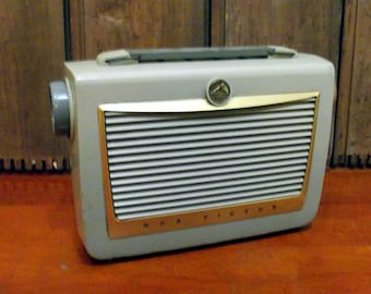 RCA Victor Portable Tube Radio 6 BX 6