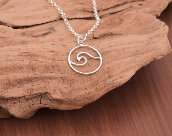 NEW! Wave Necklace