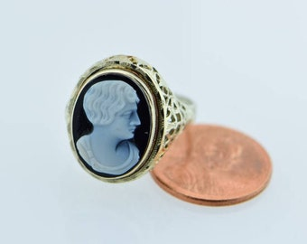 14K WG black and white onyx cameo ring with a fillagree setting circa 1930, Size 8