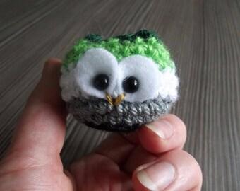 Arowlmantic - tiny crochet owl in aromantic colours