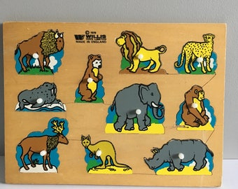 Vintage animal jigsaw, 1979 Willis toys wooden peg puzzle.
