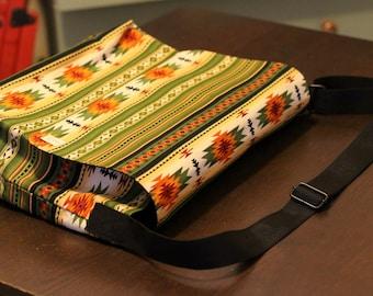 Medium messenger bag / Cross body purse / bag with a beautiful Native American print