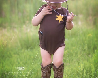 Baby Shower Gift, Sheriff Shirt, Cowboy Halloween Costume, Western Shirt, New Baby gift, Texas Shirt, Dallas cowboys baby, Sherriff Badge