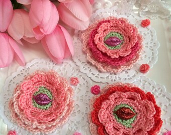 SALE... Valentine crochet flowers with glitter lips... 9 crochet flowers ready to mail