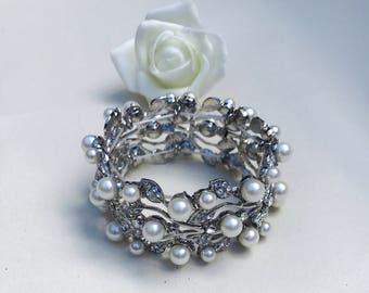 Wedding bracelet, pearl bracelet, crystal bracelet, wedding jewellery, wedding ideas, gift ideas, pearl jewellery