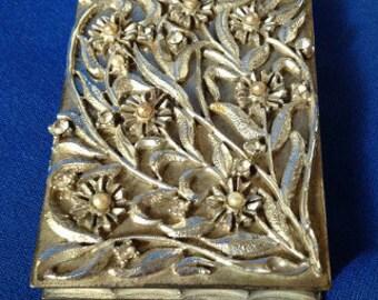 Volupté USA Art Nouveau Floral Compact