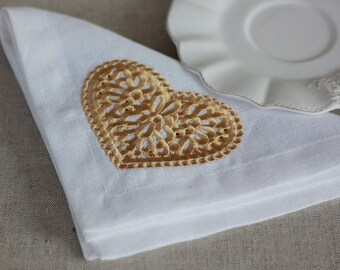 Set of 6 Linen Napkins with an gold embroidered heart, Wedding Napkins, Reusable Celebration Napkins, Linen Napkins Cloth, Holiday Napkins