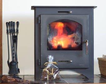 Pinecone wax firelighters
