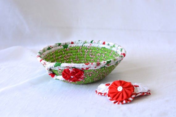 Christmas Decoration, Holiday Candy Dish, Handmade Coiled Christmas Basket, Artisan Quilted BAsket, Textile Art Bowl, Stocking Stuffer