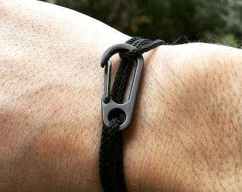 With marine rope hook bracelet