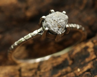 Natural triangle rough diamond ring in prongs setting with sterling silver texture oxidized band