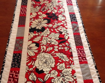 Quilted table runner, handmade