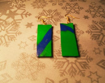 beautiful pair of earrings unique, stylish and original green and blue