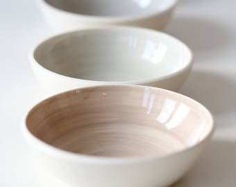 Four porcelain bowls 17-240