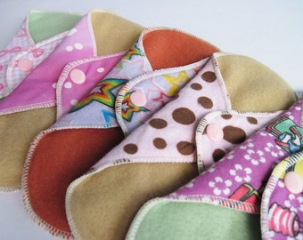 Sampler Kit Set of 5 (2 Pantyliners, 2 Regular, 1 Heavy)  Cloth Mama Pads .. Light to Heavy FREE SHIPPING