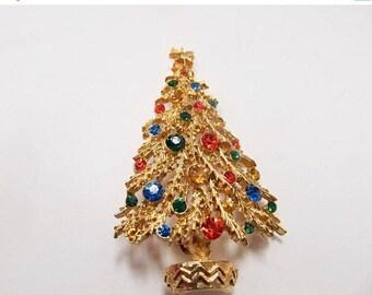 On Sale ART Vintage Colorful Rhinestone Christmas Tree Pin Item K # 747