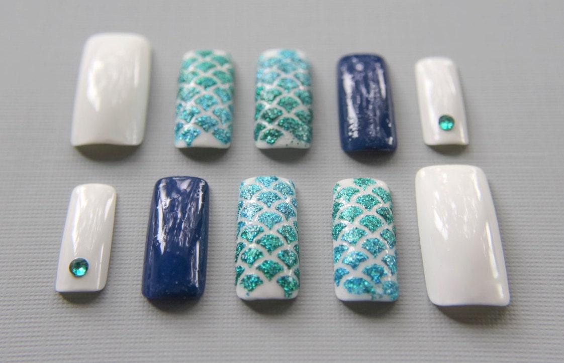 Plaza larga sirena uñas | Pulse en las uñas | Fake Nails | Uñas ...