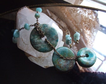 Ancient Triple Turquoise Stone Disk Neclace and Earring Set / Turquoise Jewelry / Statement Piece ! / Summer Jewelry