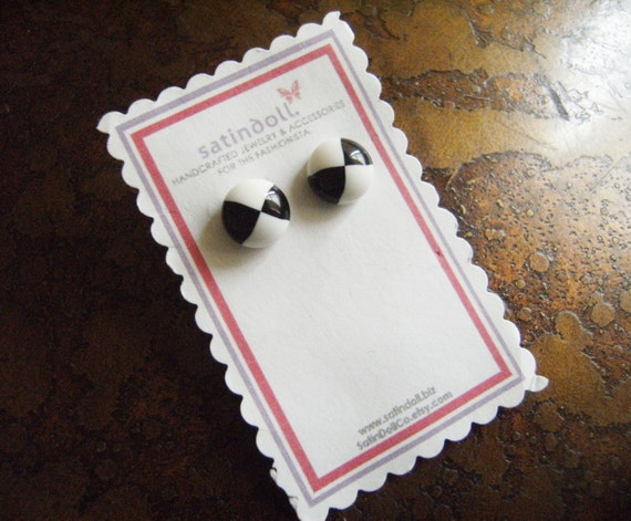 Contrast  Vintage Lucite Gold Plated Stud earrings