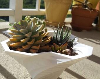 Geometric twisted planter, geometric planter, modern planter, succulent planter, cactus bowl, indoor planter, cactus planter, simple planter
