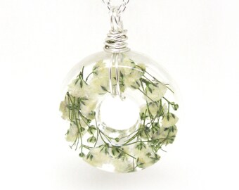 White Baby's Breath  Necklace - Real Baby Breath in Resin -  Pressed Flower Jewelry, Resin Necklace, Wire Wrapped Pendant,  Donut Pendant