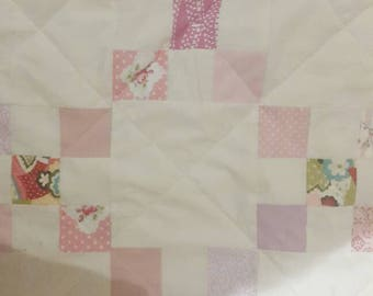 Simply gorgeous girly modern irish chain quilt