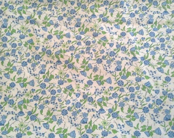 Blue and Green Floral Print on White Background Vintage Cotton 4 1/2 Yards X0863