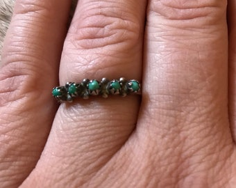 Vintage Green Turquoise Snake Eyes Sterling Silver Ring