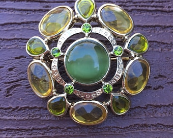 Vintage Jewelry Stunning Spring Green Pin Brooch