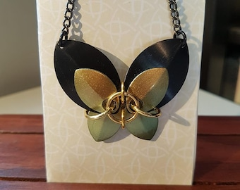 Chain maille butterfly necklace - black/gold