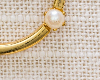 Pearl and Gold Brooch Vintage Circle Round Small Delicate  Broach Vtg Pin 7JJ
