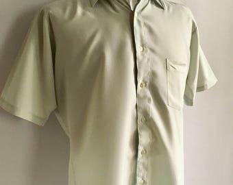 Vintage Men's 70's Mint Green Shirt, Short Sleeve, Button Down by Van Heusen (L)