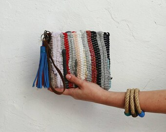 Boho Mini Wallet with Tassel. Small Boho Kilim Wristlet Purse. Unique Gift for Her. Upcycled Kourelou Hippie Boho Fabric Multicolor Purse