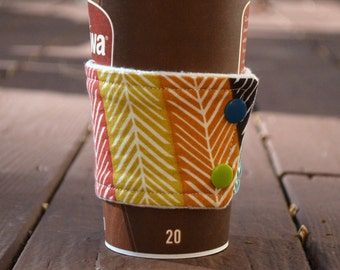 Cup Cuddler for coffee cups: environmentally friendly way to keep your coffee hands cozy