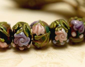 Seven Hidden Garden Rondelle Beads 10407401 - Handmade Glass Lampwork Bead Set
