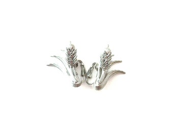 Pair of 3D 3 Dimensional Sarah Coventry Signed Silver Tone Metal Articulated Cattail Plant Vintage Clip On Earrings