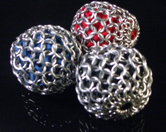 Toy Juggling Balls 3 Bright Aluminum Chainmaille Balls With Differeny Colors Inside