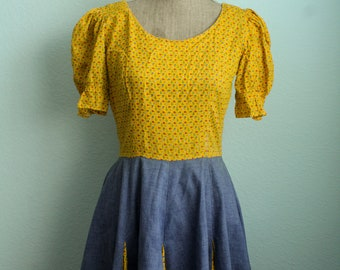 Vintage 1960s Yellow Dainty Floral Puffy Short Sleeves Cowgirl Dress
